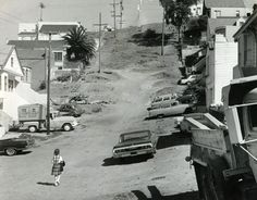 Unpaved hill on Ripley Street, Bernal Heights San Francisco - 1964 California Missions, Places In California, San Francisco California, San Francisco Bay, San Francisco Neighborhoods, Back In The Day, Golden Gate Bridge, Historical Photos, The Neighbourhood