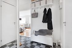 Björkbacksvägen 49, Bromma / Ulvsunda Entryway, Furniture, Home Decor, Entrance, Decoration Home, Room Decor, Door Entry, Mudroom, Home Furnishings