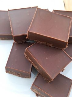 Vegan Fudge Recipe, a delightful, chocolatey snack that is put together in and can be made with any of your favorite nut butters! Vegan Dessert Recipes, Fudge Recipes, Candy Recipes, Dairy Free Recipes, Gluten Free, Dairy Free Fudge, Sweets Recipes, Healthy Vegan Snacks, Vegan Treats