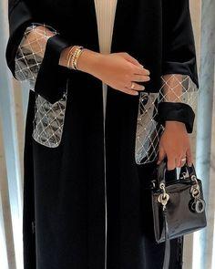 abaya style February 13 2020 at fashion-inspo Abaya Fashion, Muslim Fashion, Modest Fashion, Fashion Dresses, Dubai Fashion, Fashion Clothes, Abaya Mode, Mode Hijab, Fashion Details