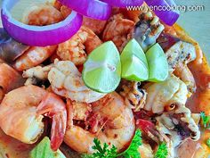 Thai Tom Yum Seafood Bowl – The Cooking life starts at P&Y Mansion Thai Tom, Sour Taste, Tamarind, Spicy Recipes, Curries, Clams, Mansion, Shrimp, Salmon