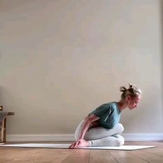 Video for yoga lovers - Workout - Fitness Yoga Fitness, Fitness Workouts, At Home Workouts, Video Fitness, Fitness Life, Yoga Bewegungen, Yoga Moves, Yoga Exercises, Stretching Exercises For Flexibility
