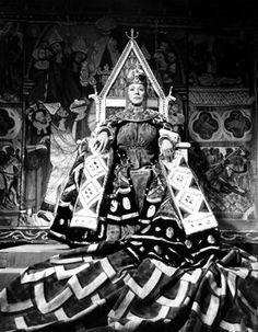 Judith Anderson as Lady Macbeth | MACBETH DAME JUDITH ANDERSON AS LADY MACBETH
