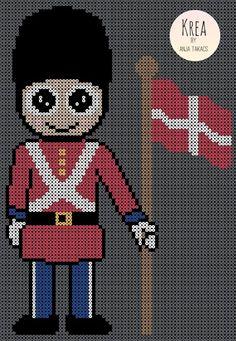 Royale gardere i perler Hama Beads Patterns, Beading Patterns, Crochet Patterns, Deviantart Disney, Baby Mickey, Fuse Beads, Pearler Beads, Paw Patrol, Kids Crafts