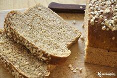 Το σπιτικό ψωμί απαιτεί κόπο και χρόνο αλλά σε αποζημιώνει με την ασύγκριτη γεύση του και το μοναδικό άρωμα του που πλημμυρίζει το σπίτι όσο ψήνεται. Τα βήματα είναι απλά και πάντα τα ίδια: ανάμειξ…