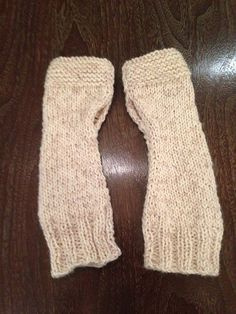 Ravelry: Outlander Mrs. Fitz's Mitts pattern by Jennifer Jackson #outlanderknits