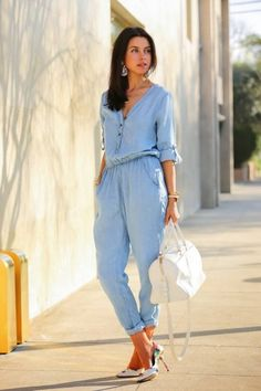 chambray jumpsuit with floral heels Fashion Mode, Denim Fashion, Look Fashion, Trendy Fashion, Fashion Clothes, Latest Fashion, Fashion Shoes, Luxury Fashion, Classy Summer Outfits