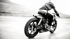 yamaha by the hookie. photo by thomas schlorke. A Well Traveled Woman, Vintage Biker, Cafe Racer Motorcycle, Pretty Photos, Classic Bikes, Custom Metal, My Ride, Cool Bikes, Bobber