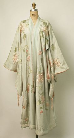 Kimono Iida & Co./Takashimaya (Japanese, founded 1831) Date: ca. 1910 Culture: Japanese Medium: silk