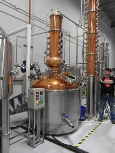 The Hansen Distillery Alucard, Cocktail Making, New Crafts, West End, Distillery, News, Home, Ad Home, Homes