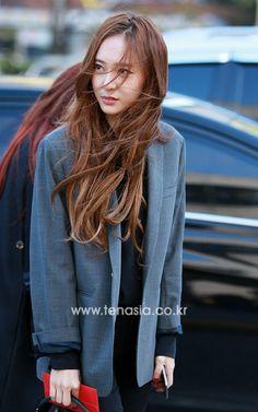 Krystal Fx, Jessica & Krystal, Krystal Jung Fashion, Sulli, Korean Beauty, Asian Beauty, I Love Girls, Ulzzang Girl, Beautiful Celebrities