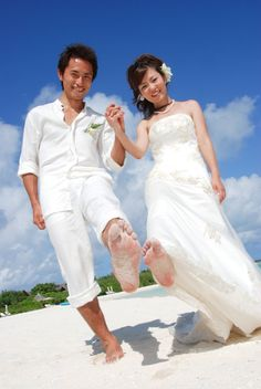 """""""We did our Honeymoon Photo shoot on barefoot""""."""