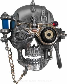 'Necronaut' steampunk belt buckle by Alchemy Gothic shaped like a modified skull.