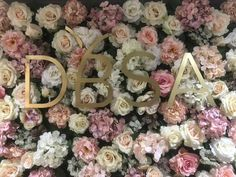 Personalise your flower wall Photo Booth Backdrop, Flower Wall, Backdrops, Balloons, Wedding Decorations, Floral Wreath, Decor Ideas, Wreaths, Flowers