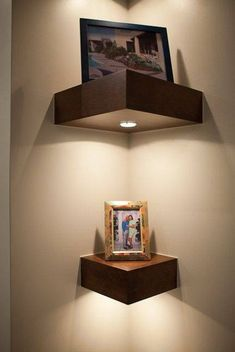 Miraculous Useful Ideas: Floating Shelves Bathroom Drawers floating shelves decoration laundry rooms.Staggered Floating Shelves Above Tv black floating shelves mirror.Floating Shelves With Pictures Toilets. Diy Corner Shelf, Corner Wall Shelves, Box Shelves, Corner Wall Decor, Shelf Display, Bedroom Wall Shelves, Small Corner Decor, Wall Nook, Corner Mirror