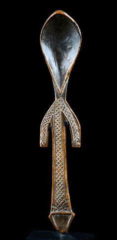 Africa | Spoon from Somalia | Wood; matt shiny middle and dark brown patina