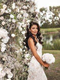 Bridal Hair Down, Wedding Hair Down, Wedding Hair And Makeup, Wedding Beauty, Long Hair Wedding Styles, Wedding Hairstyles For Long Hair, Bride Hairstyles, Long Hair Styles, Lace Mermaid Wedding Dress