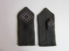 Wool mittens with seed beads