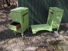 A year or so ago I bought a vintage vanity at the Salvation Army for like $15.  I've tried it in my room and Sami's room, but it just didn't...