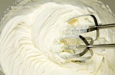 A heavenly combination of cream, vanilla and our Organic Blue Agave Nectar Syrup. Making Whipped Cream, Whipped Cream Frosting, Icing Recipe, Butter Recipe, Heavy Cream Substitute, Creme Mascarpone, Food Garnishes, Whipped Body Butter, Homemade Butter