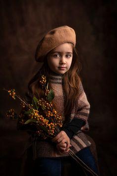 Art Photography Portrait, Children Photography, Studio Photos, Photo Studio, Decay Art, Tres Belle Photo, Child Portraits, Business Baby, Fairytale Art