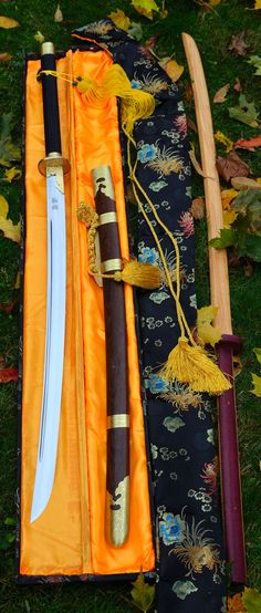Miao Dao from Zhi Sword forge in Longquan China. Wooden training Chang Dao with purple-heart handle from Raven. New tools this autumn. Weapons and swords Katana Samurai, Katana Swords, Swords And Daggers, Knives And Swords, Armas Ninja, Martial Arts Weapons, Japanese Sword, Japanese Blades, Kendo