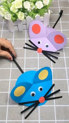 Simple funny DIY rat made of paper for kids. Stuck at home? Try this amazing good gift for your kids now! It's so easy! video manualidades DIY Crafts for Kids-How to Make Cute Paper Plate Mouse-DIY Tutorial Paper Crafts Origami, Paper Crafts For Kids, Easy Crafts For Kids, Craft Activities For Kids, Easy Diy Crafts, Toddler Crafts, Preschool Crafts, Diy For Kids, Fun Crafts