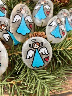 Pocket Pebble Angels Bag of 10 Pocket Angel Minis Pocket Pebble Painting, Pebble Art, Stone Painting, Stone Crafts, Rock Crafts, Arts And Crafts, Rock Painting Ideas Easy, Painting For Kids, Christmas Rock