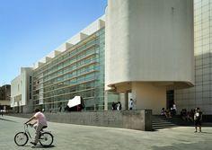MACBA - Barcelona Museum of Contemporary Art / Richard Meier | Flickr - Photo…