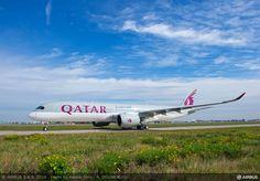 Le nouvel A350 d'Airbus livré à Qatar