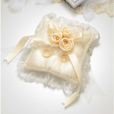バラのスウィートリングピロー[RP−18]<シェリーマリエ・リングピローコーナー> Pillows, Wedding, Valentines Day Weddings, Cushions, Weddings, Pillow Forms, Cushion, Marriage, Scatter Cushions