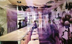 Fototapety, okładziny ścienne, foto-boardy, obrazy drukowane na płótnie... Zobacz jak wykorzystać druk wielkoformatowy w dekoracji wnętrz. Inspiracje Dekorami.pl Zenses Cristal Bar