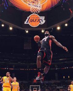 Draft 2003, soltanto tre giocatori sono ancora in attività.  Carmelo Anthony Kyle Korver E... LeBron James👑  Fisicamente (e non solo)IMPRESSIONANTE ° ° ° #nbapassion #lebronjames #nba #basketball #lebron #heat #miamiflorida #heatnation🔥 #cavaliers #kingjames #nike  #nbabasketball #lebron17 #lebronjames23 #losangeleslakers #mvp #bball #losangeles #heat #cavsnation #kingjames23👑 King Lebron, Lebron 17, Lebron James, Basketball Players, Basketball Court, Magic Johnson Lakers, Cavs Game, Kyle Korver, Cleveland Cavs