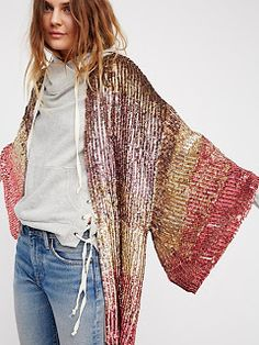 Pink sunset Ombre Sequin Kimono at Free People Clothing Boutique Urban Fashion, Love Fashion, Womens Fashion, Fashion Trends, Cheap Fashion, Fashion Fall, Affordable Fashion, Bohemian Mode, Bohemian Style