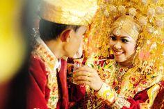 Ketahuilah Tentang Kewajiban Suami Terhadap Istri Menurut Islam
