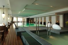 Park Hyatt Shanghai, Pool