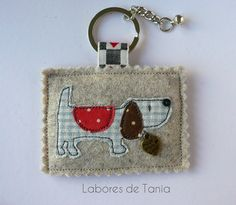 Work of Tania Free Motion Embroidery, Free Machine Embroidery, Small Sewing Projects, Sewing Crafts, Felt Crafts, Diy And Crafts, House Keyring, Diy Keychain, Fabric Gifts