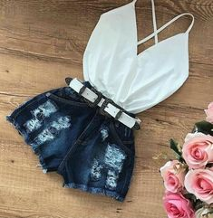 Trendy distressed denim shorts and cute little white top. Cute Teen Outfits, Short Outfits, Outfits For Teens, Stylish Outfits, Spring Outfits, City Outfits, Dinner Outfits, Fashion Outfits, Womens Fashion