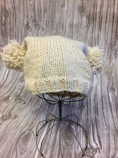 Ravelry: Easy Pom-Pom Hat pattern by Susan Mills