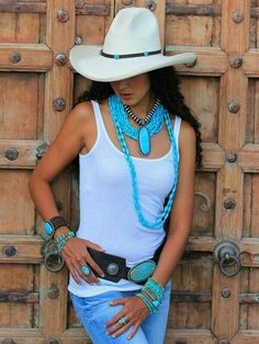 I love all the turquoise! Sexy Cowgirl, Gypsy Cowgirl, Cowgirl Hats, Cowgirl Chic, Cowgirl Outfits, Cowgirl Style, Western Outfits, Western Wear, Cowgirl Clothing