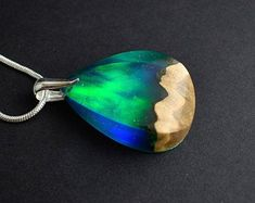 Wood Necklace, Resin Necklace, Blue Necklace, Resin Jewelry, Diy Schmuck, Schmuck Design, Special Birthday Gifts, Rainbow Opal, Green Opal