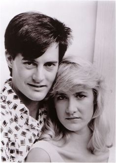 Kyle MacLachlan and Laura Dern for Blue Velvet directed by David Lynch, 1986 Blue Velvet Movie, Twin Peaks Tv, David Lynch Movies, Youtubers, Audrey Horne, Tv Movie, 1980s Films, Kyle Maclachlan, Laura Palmer