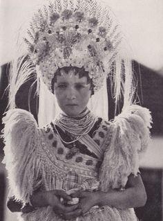 Peacock of Ragyogó National Geographic 1932 Matyo bride