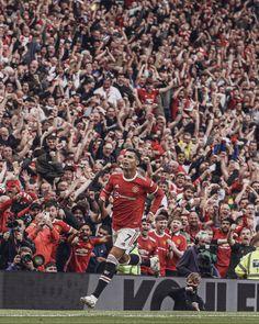 Cristiano Ronaldo Goals, Cristiano Ronaldo Manchester, Cristano Ronaldo, Nba Pictures, Football Pictures, Manchester United Old Trafford, Manchester United Legends, Soccer Players, Best Football Players