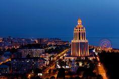 Kafkas Dağları arasında, Karadeniz kıyısında var olan tatil beldesi Batum…