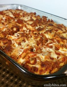 Layered Pasta Bake - sour cream gives this a tangy twist! Meaty and cheesy for just 384 calories or 9 Weight Watchers points per serving!