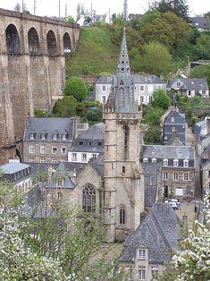 Morlaix, France. Fichier:Vue d'ensemble église Saint-Mélaine de Morlaix.JPG