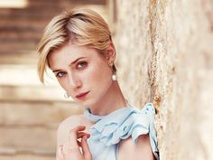 Why The Night Manager's Elizabeth Debicki Is Every Costume. Why The Night Manager's Elizabeth Debicki… Pixie Hairstyles, Pixie Haircut, Cute Hairstyles, Girl Short Hair, Short Hair Cuts, Short Hair Styles, Pixie Cut, Elizabeth Debicki, Actresses