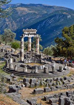 El templo de Tholos - Delfos, Grecia