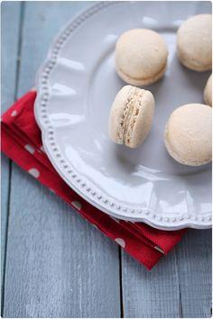 Il s'agit de la deuxième recette de macarons salés du blog. La première étant ceux au foie gras. Le chèvre est un fromage qui se marie parfaitement bie